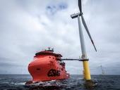 """Nejen lávka, ale i samotná loď je vybavena pohony, které ji dokážou udržet bezpečně """"zaparkovanou"""" na daném místě i za silného větru. Foto Siemens"""