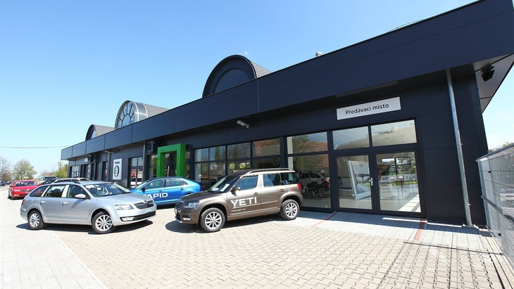 Systém LINDAB STAVBY nově opláštil izastřešil autosalon Škoda Auto Šídlo
