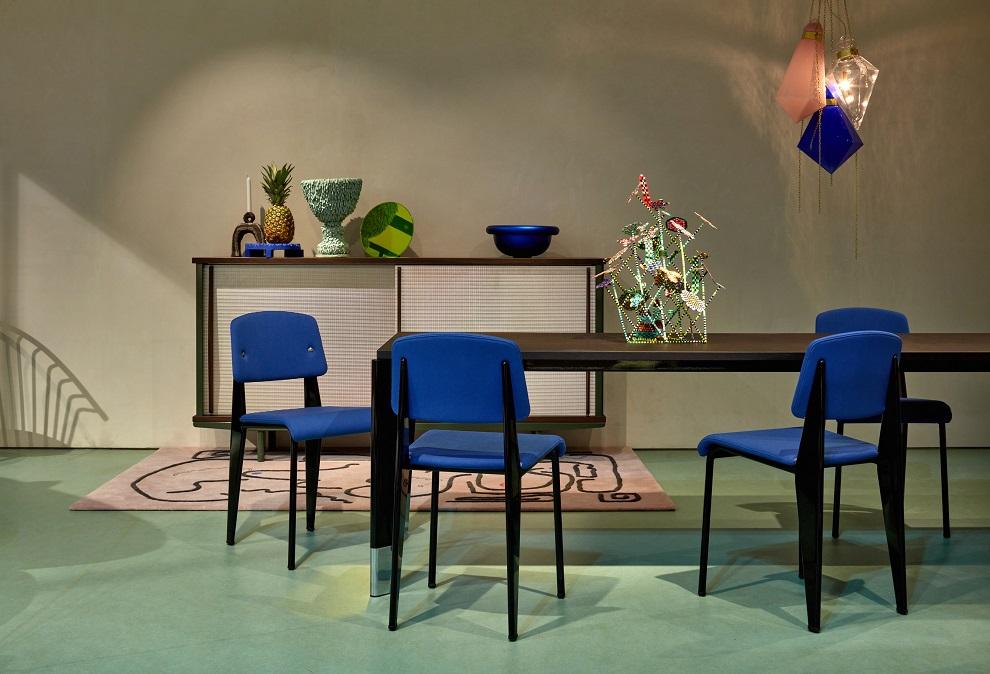 Vitra p edstavila novinky i produktov updaty na salone for Salone del mobile vitra
