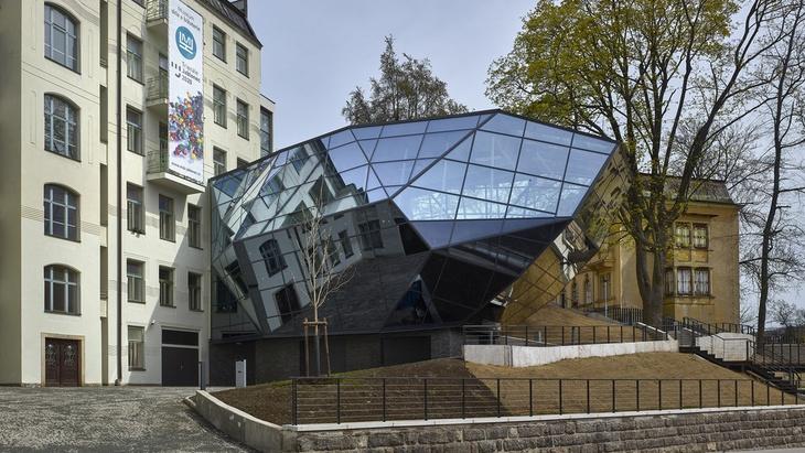 Přístavba budovy muzea skla a bižuterie