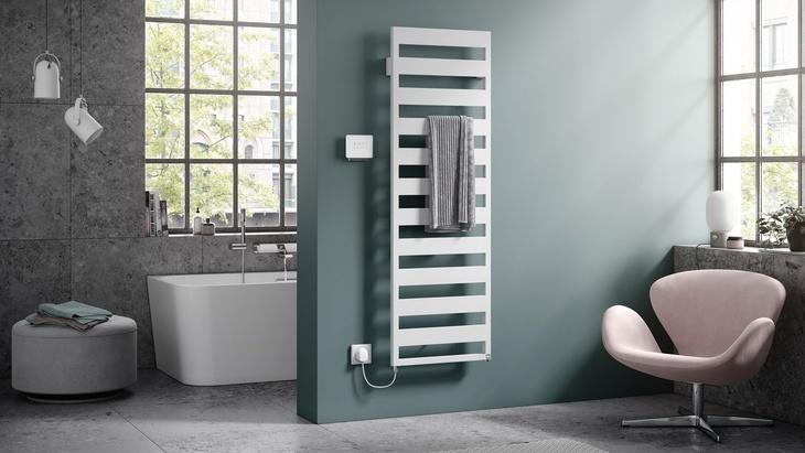 designový radiátor Casteo s  elektrosadou WRX v barevném provedení bílá/bílá. Zdroj: Kermi